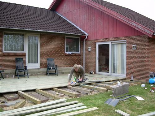 Opbygning af træ terrasse - Lav-det-selv.dk