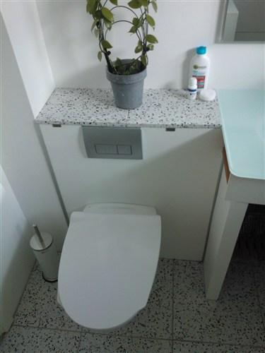 vægmonteret toilet