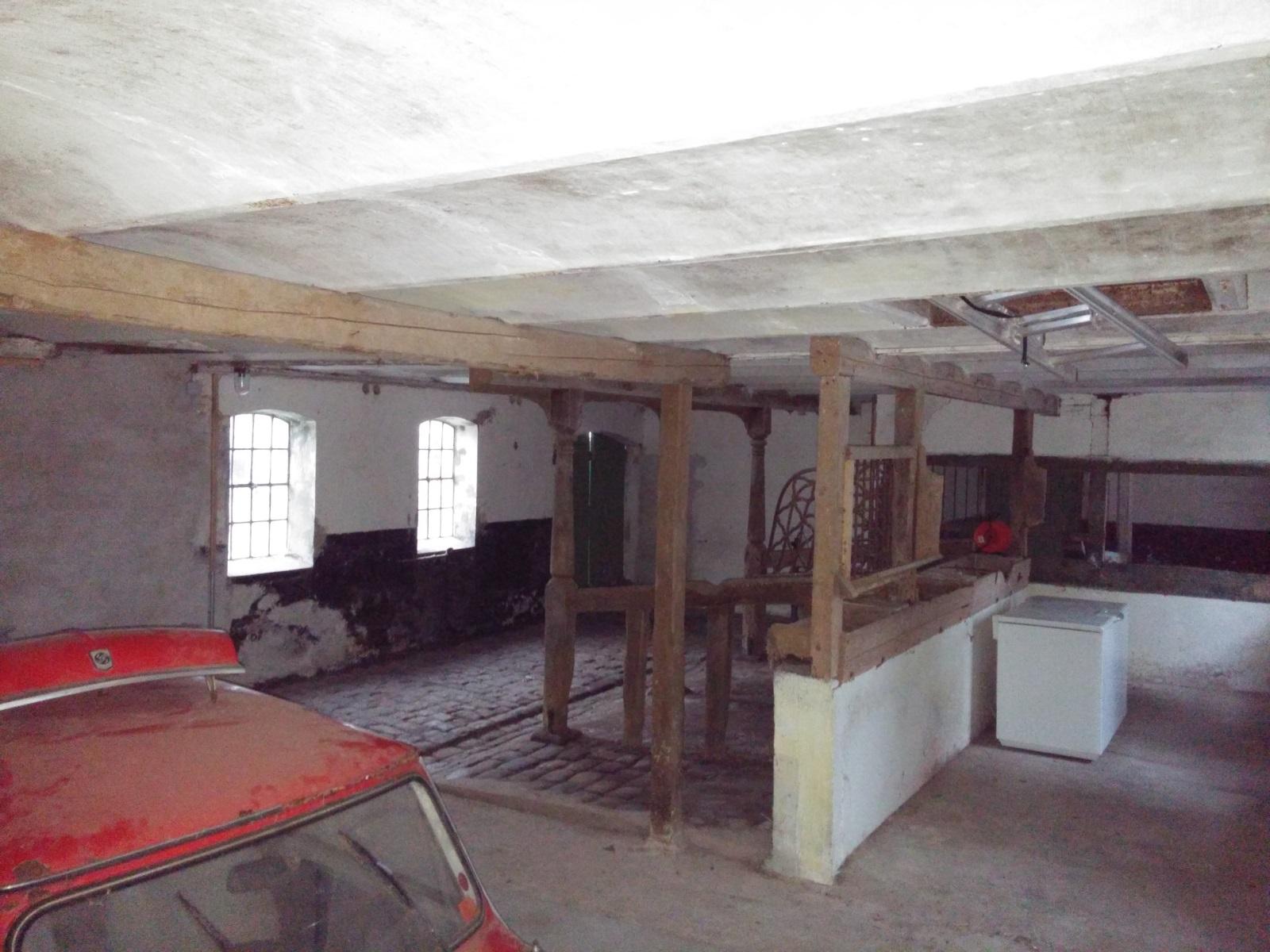 Renovering af lade (nyt gulv), kan jeg fjerne understøtning?