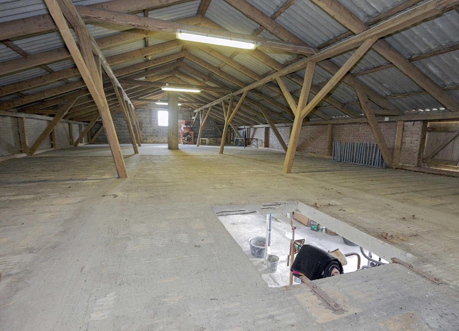 #6E624C Bedst Ombygning Af Staldtag / Etagedæk Lav Det Selv.dk Forum Gør Det Selv Isolering Af Etageadskillelse 5503 160011555503